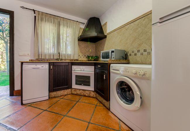 Cocina del Apartamento Hierbabuena – Hacienda Roche Viejo (Conil)