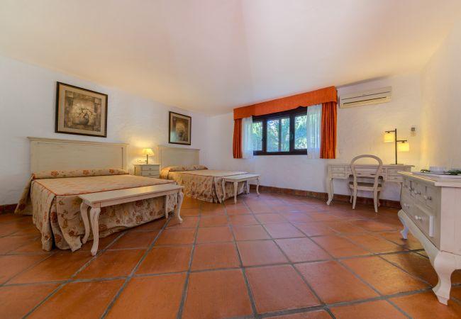 Dormitorio del Apartamento Hierbabuena – Hacienda Roche Viejo (Conil)