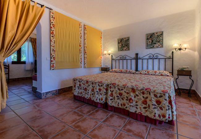 Dormitorio de Apartamentos planta alta – Hacienda Roche Viejo (Conil)