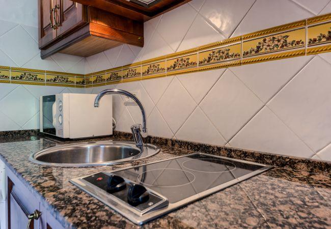 Cocina de Apartamentos planta alta – Hacienda Roche Viejo (Conil)