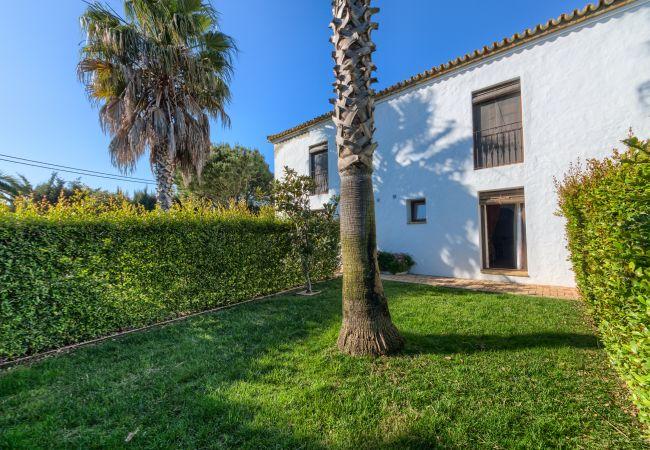 Jardín de Apartamentos Lavanda - Romero – Hacienda Roche Viejo (Conil)