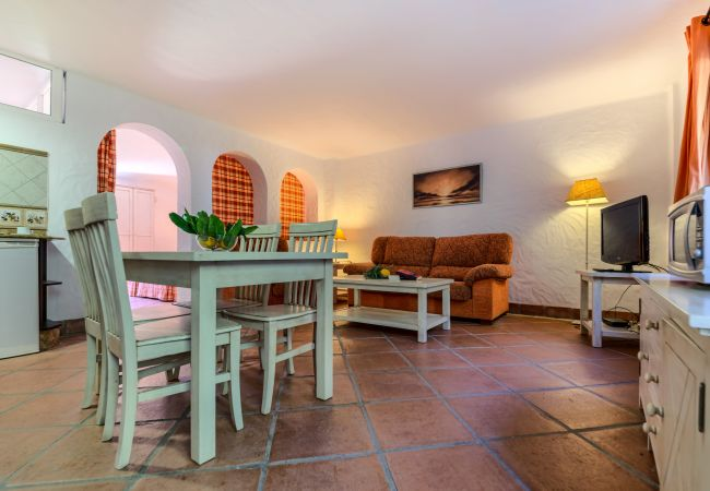 Salón comedor de Aptos Lavanda - Romero – Hacienda Roche Viejo