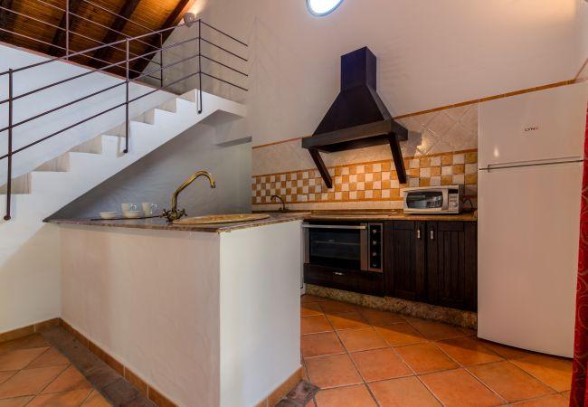 Cocina de Casa El Olivo – Hacienda Roche Viejo (Conil)