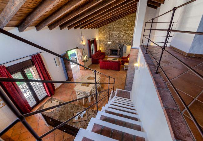 Escaleras de Casa El Olivo – Hacienda Roche Viejo (Conil)