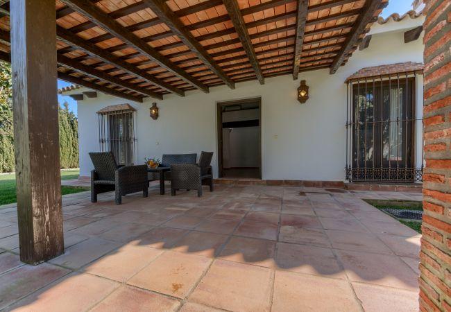 Terraza de Casas El Palmeral – Los Naranjos – Hacienda Roche Viejo