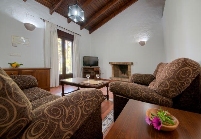 Salón de Casas El Palmeral – Los Naranjos – Hacienda Roche Viejo