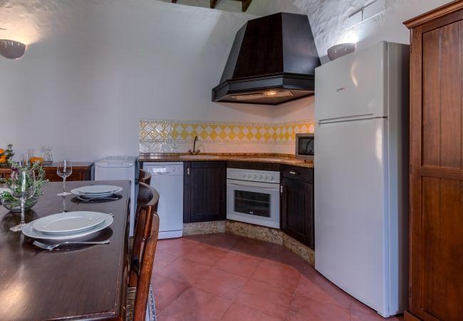 Cocina de Casas El Palmeral – Los Naranjos – Hacienda Roche Viejo