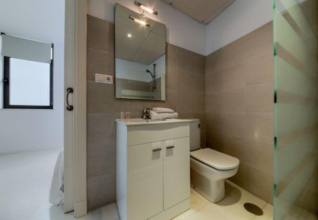 Baño de Apartamento Mercurio 1 – Villas Flamenco Rentals (Conil)