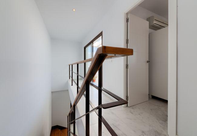 Escaleras de Apartamento Mercurio 2 – Villas Flamenco Rentals (Conil)